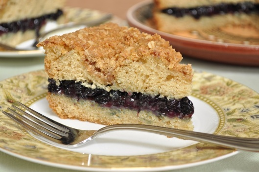 Golden Brown Butter Cake with Bluberry-Red Wine Filling