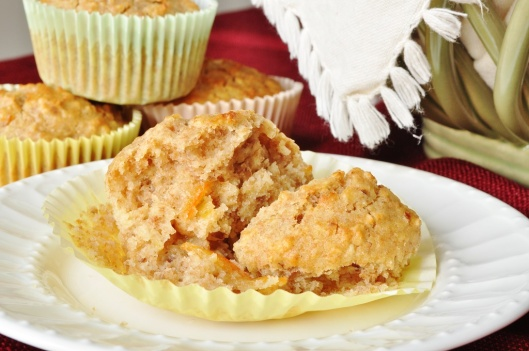 Oat-Pecan Wholemeal Muffins with Whisky Marmalade