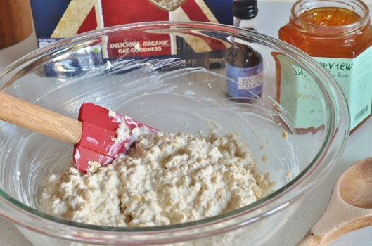 Soak the oats in yogurt